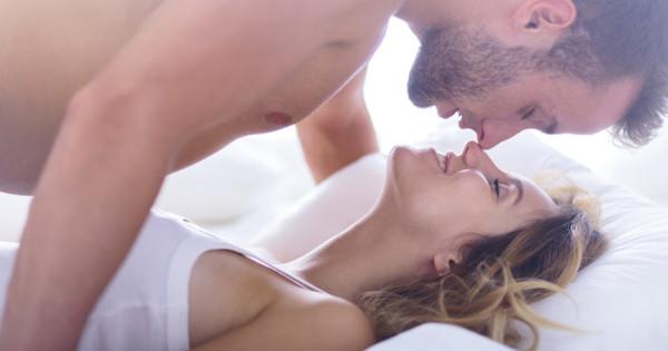 Para w łożku